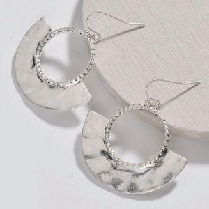 [ALLSTON] Metal Half Circle Earrings in Silver